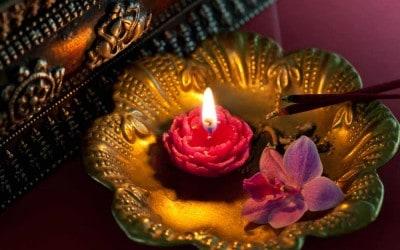 Meditacija gledanje u svijeću