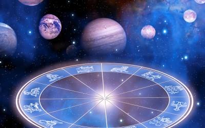 Konjukcija između Mjeseca i Saturna