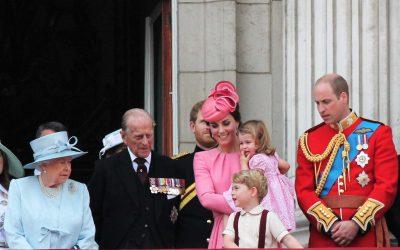 Princ Harry ubrzano gubi kosu