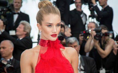 Bivša anđelica Victoria's Secreta i glumac Jason Statham odredili datum svadbe